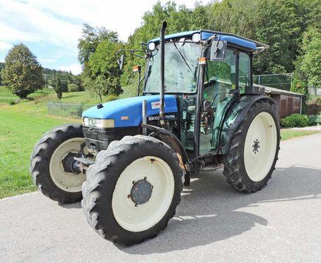 New Holland Traktor 4-Radantrieb TN 75 S