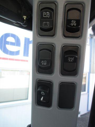 New Holland T6.145 Auto Command SideWinder II