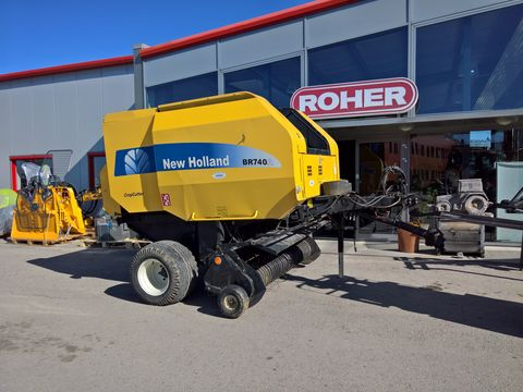 New Holland BR 740A