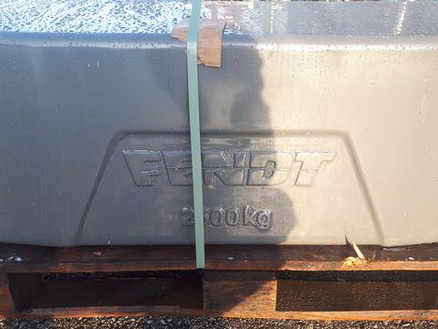 Fendt Gusseisengewichte 2500kg