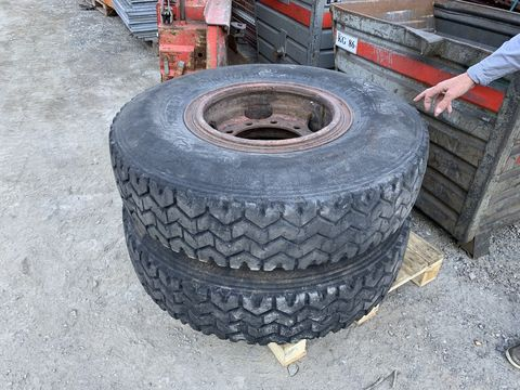 Pirelli 12,00R20