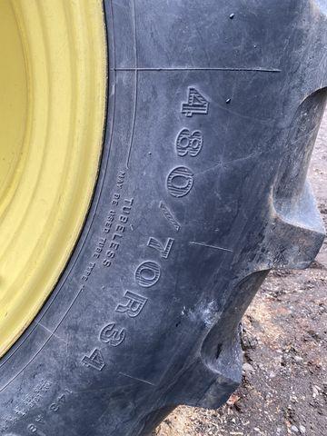 Firestone John Deere 480/70R34 und 380/70R24