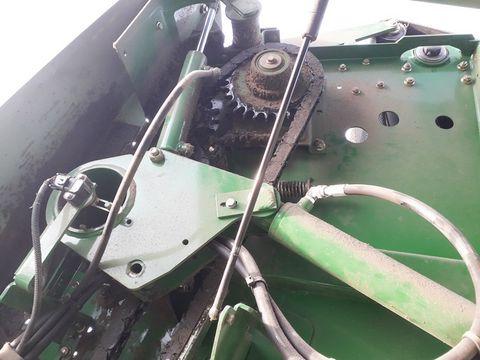 John Deere 854 Maxi Cut 14 Rundballenpresse variabel