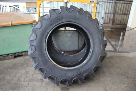 BKT 380/85R28