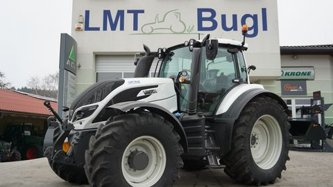 Valtra T234 Direct Smart-Touch u. RTK Miettraktor