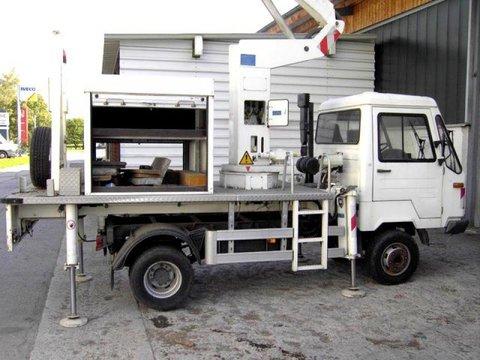 Multicar Hebebühne auf Klein-LKW (05362)