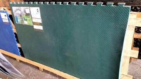 Sonstige Grüne Matte (08914)