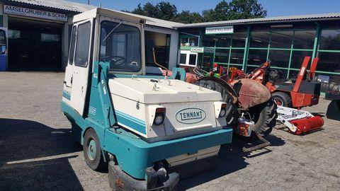 Dominator Tennant 95 Dieselmotor Industriekehrmaschine