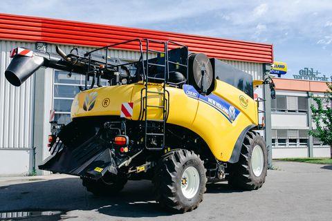 New Holland CR8.80