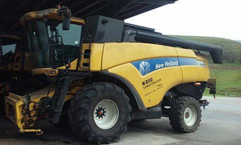 New Holland CX 8050