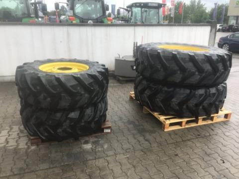 Pirelli 480/70R26 & 520/85R38
