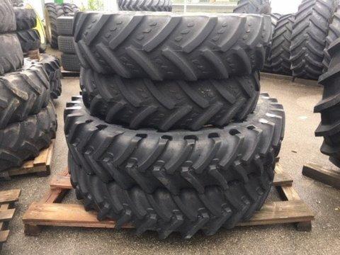 Michelin und Kleber 340/85R46 und 320/85R32