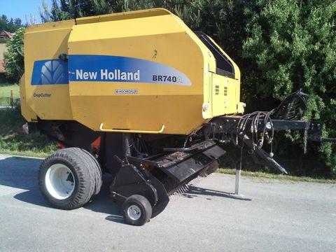 New Holland 740