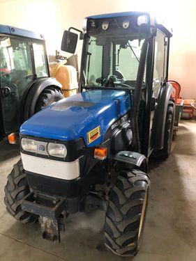 New Holland TN 75V