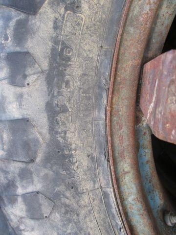 Pirelli ZW-Räder 12.4R28