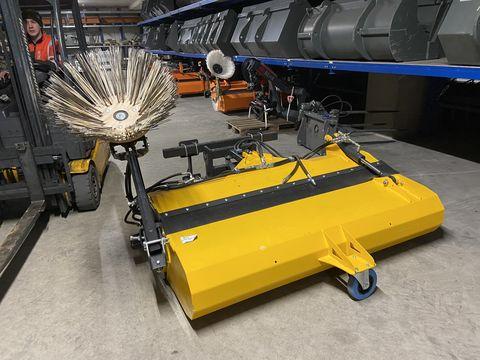 Sonstige Kehrmaschine 1800mm mit Seitenbesen