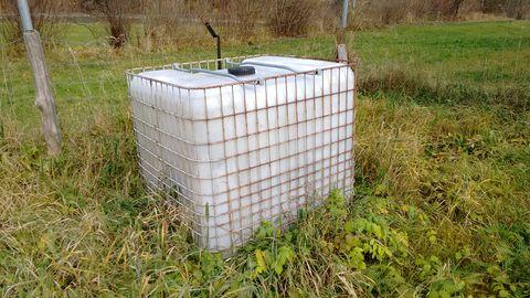 Sonstige Wassertank