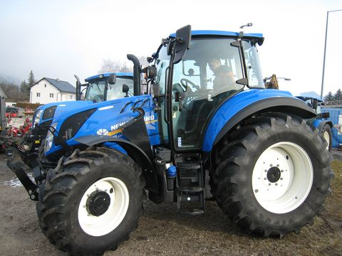 New Holland T5.100 Electro Command Trier 4B