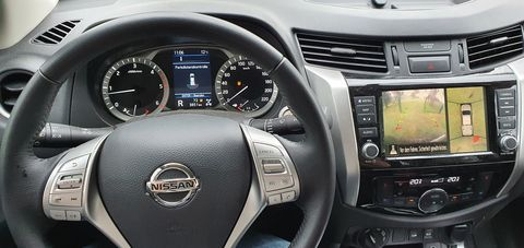 Nissan Navara Double Cab 4x4 2,3 dCi Tekna Automatik