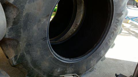 Michelin 650/75/R38
