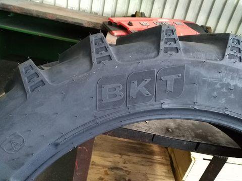 BKT AGRIMAX RT955 230/95R36 bzw. 9.5R36