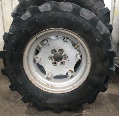 Michelin XM108 340/65R18