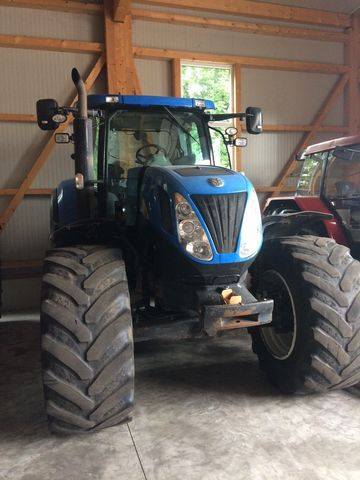 New Holland T7070 Auto Command