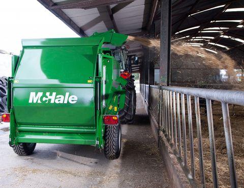 McHale C460 vontatott bálabontó-kiosztó