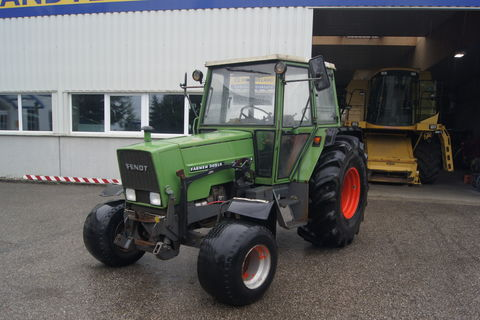 Fendt Farmer 305 LS  40 km/h