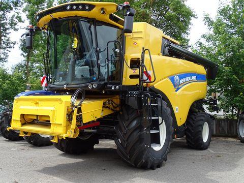 New Holland CX 7.90