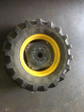 Michelin 320/65R18 Michelin
