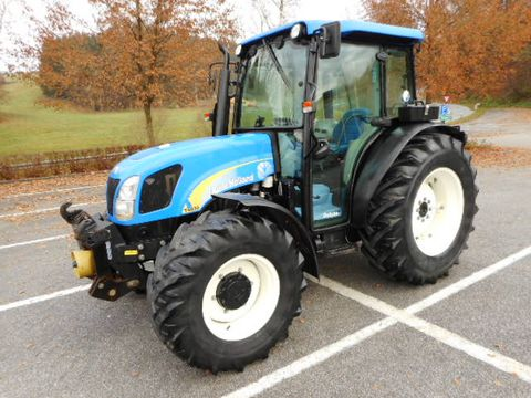 New Holland T4030 DeLuxe