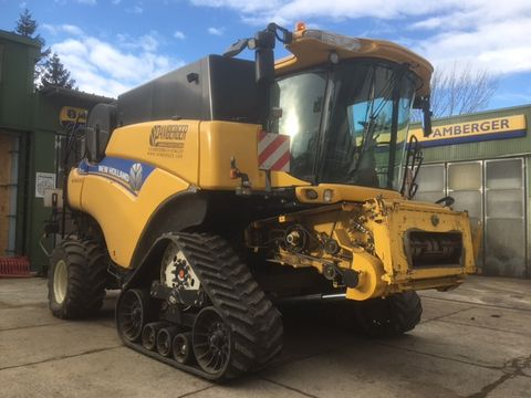 New Holland CR9090 Raupe