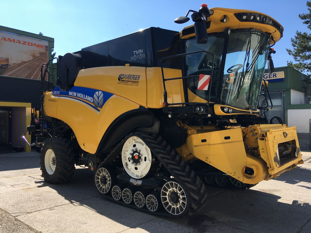 New Holland CR8.90 Elevation