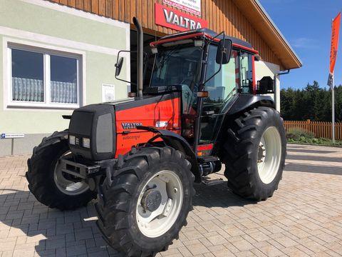 Valtra 900-4