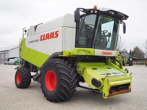 CLAAS LEXION 540 + V750