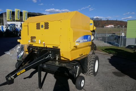 New Holland BR6090