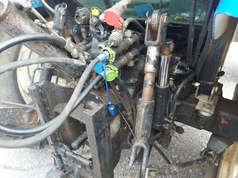 New Holland TL100 (4WD)