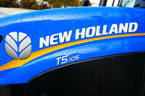 New Holland T 5.105