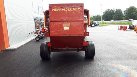 New Holland 835