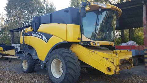 New Holland CX840 kombájn
