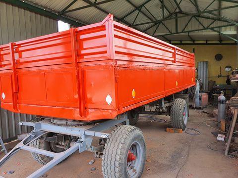 Egyéb BSS 9 tonnás pótkocsi