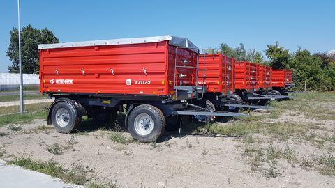 Metal-Fach T711/3 pótkocsi ponyvával