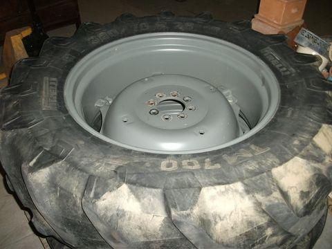 Pirelli 380/70 R28 Pirelli