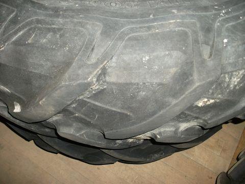 Pirelli 14.9 R38  Pirelli TM 300