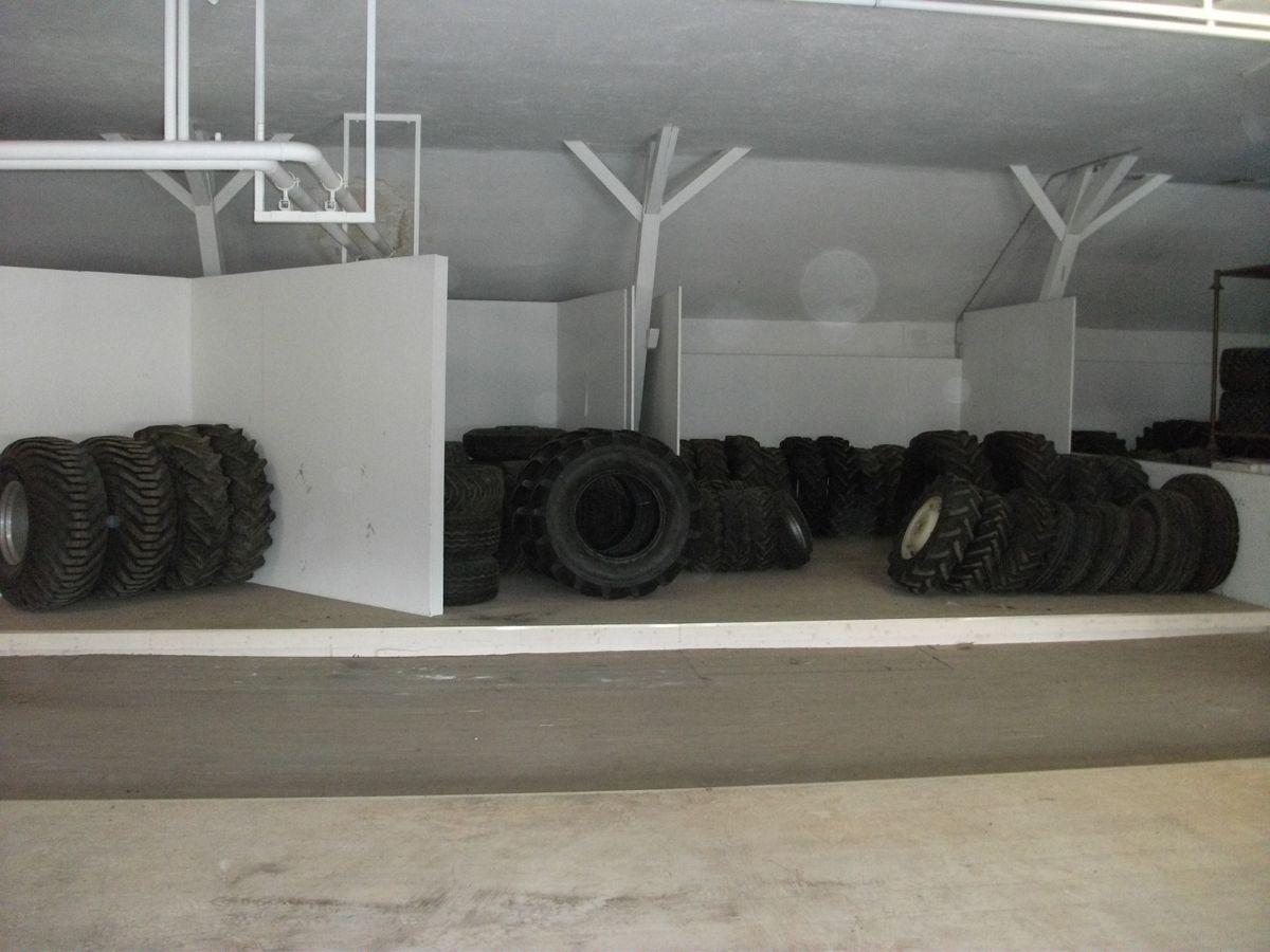 sonstige div reifen und r der r der. Black Bedroom Furniture Sets. Home Design Ideas
