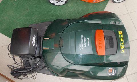 Husqvarna Auto Mower 220AC