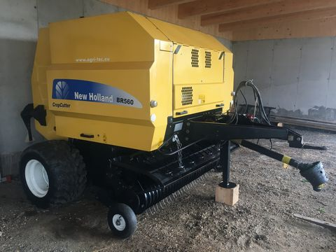 New Holland BR 560