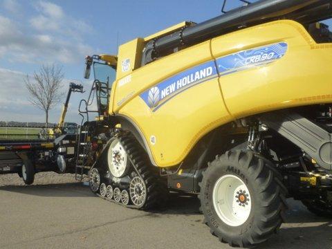 New Holland CR 8.90