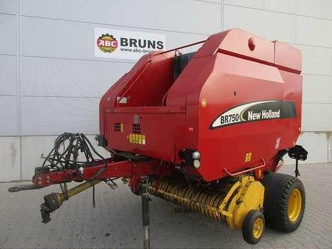 New Holland BR 750 ENW